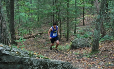 2015 Run for the Woods 10K winner Michael Bronstein on course