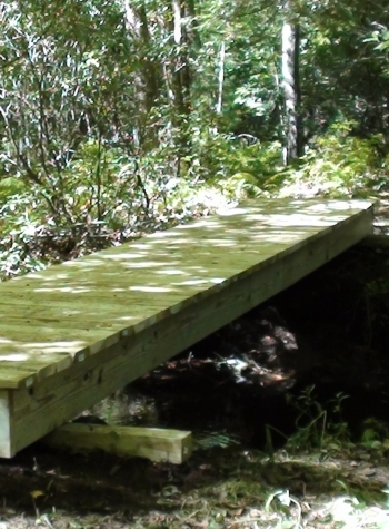Bridge on the northern section of the Nipmuck Trail